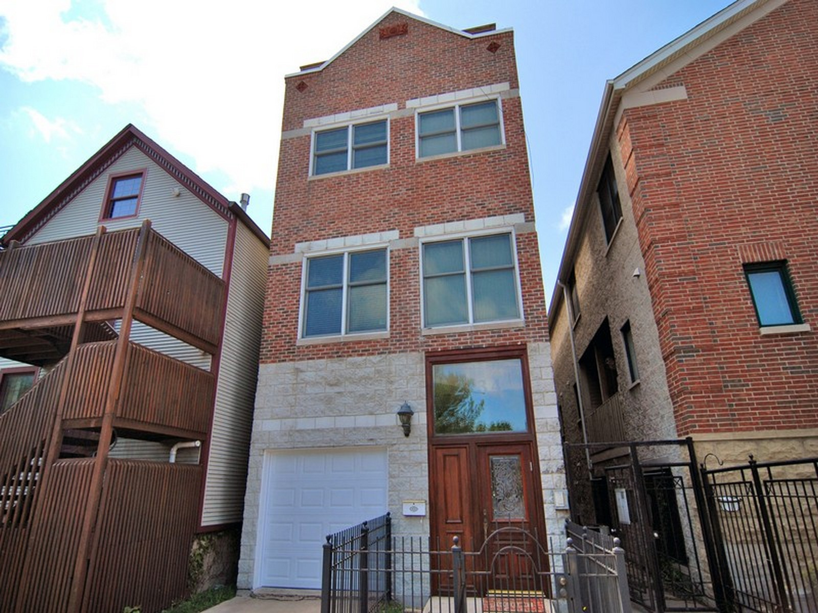 Single Family Home for Sale at Stunning Townhome 2134 N Winchester Avenue Unit A Logan Square, Chicago, Illinois, 60614 United States