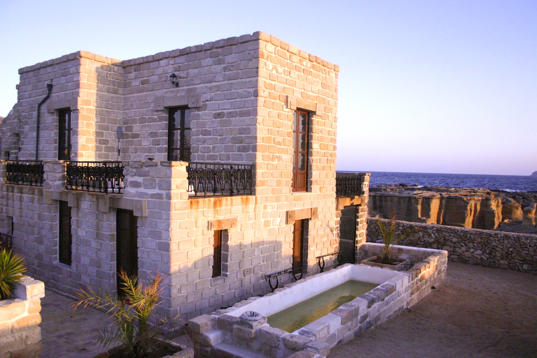 Additional photo for property listing at Villa with direct access to the sea Favignana, Trapani Italie