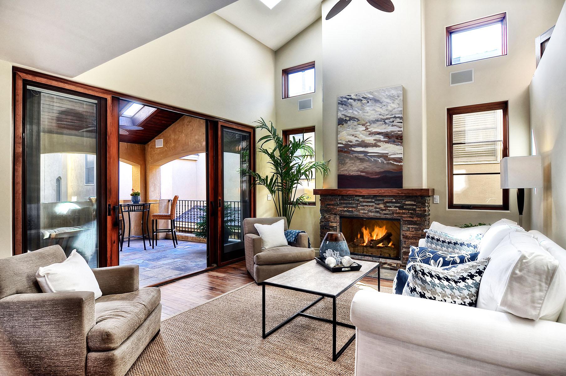 Condominium for Sale at 507 1/2 Goldenrod Ave 507 Goldenrod Ave 1/2 Corona Del Mar, California 92625 United States