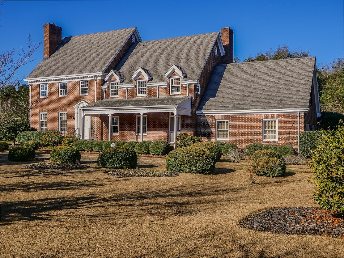 Single Family Home for Sale at Stately Brick Residence in Idyllic Setting 101 Seagull Way Hubert, North Carolina, 28539 United States