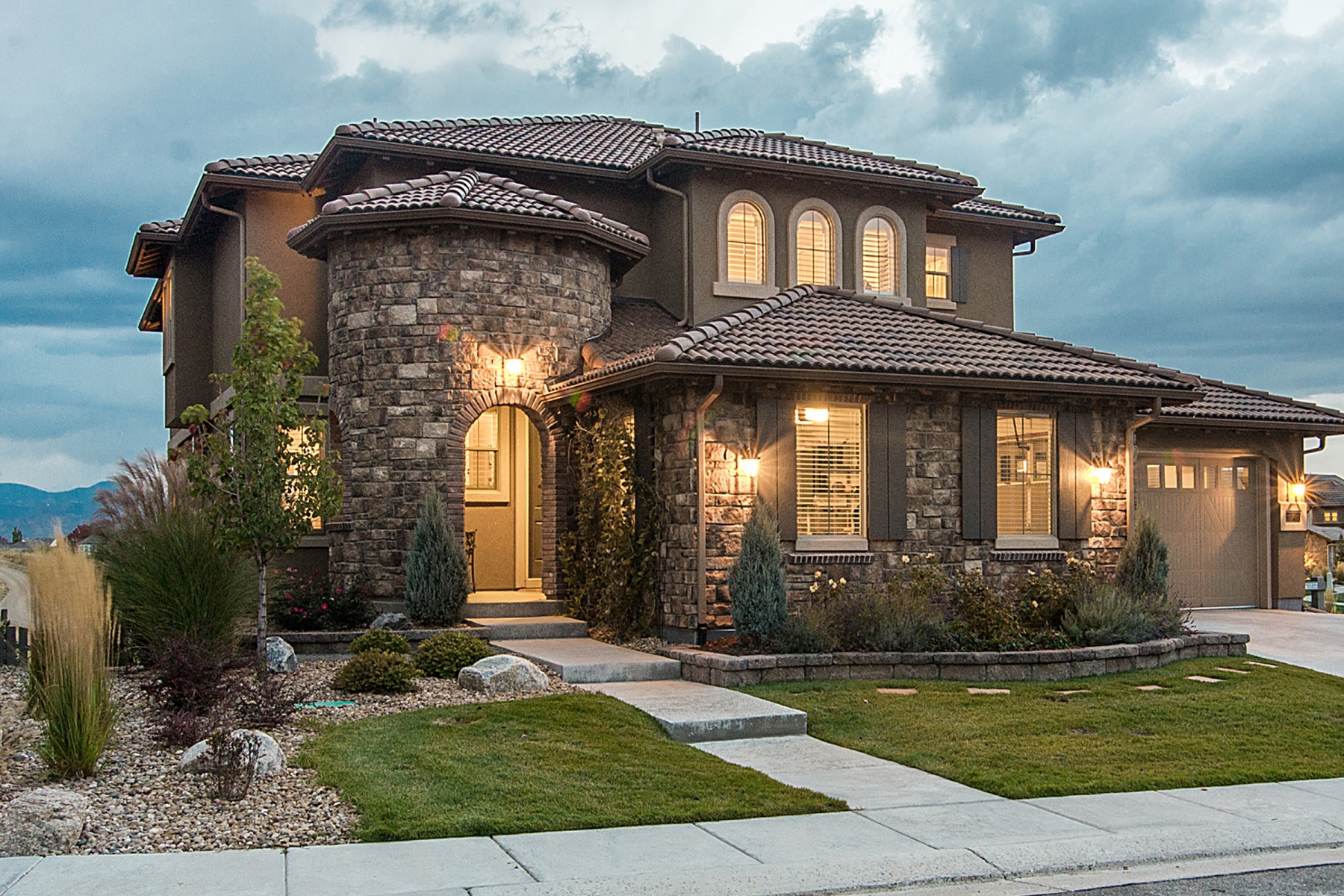 Single Family Home for Active at Highly coveted location on the western border of backcountry 10701 Manorstone Dr Highlands Ranch, Colorado 80126 United States