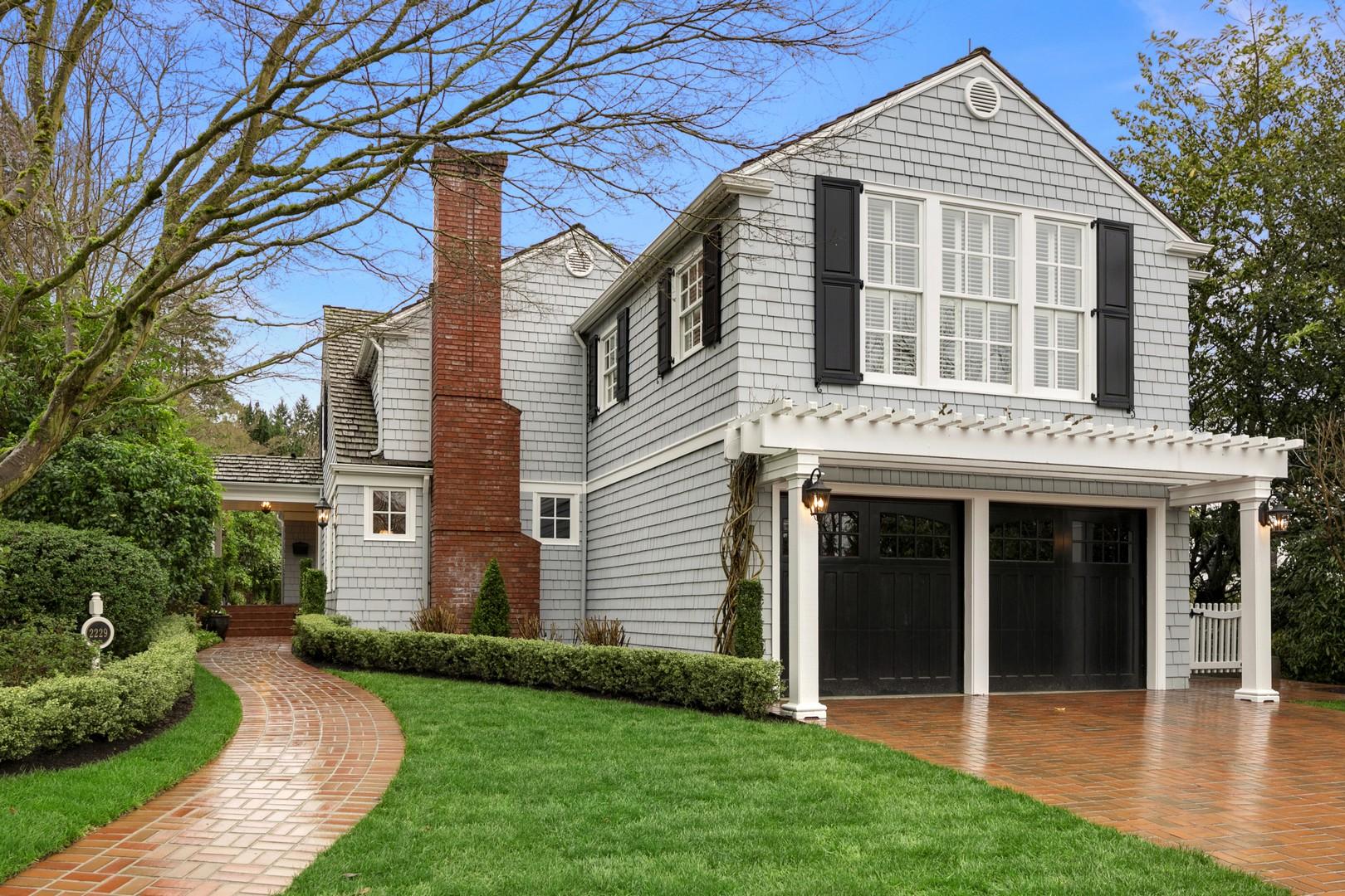 独户住宅 为 销售 在 Charm in Broadmoor 2229 Waverly Wy E Broadmoor, 西雅图, 华盛顿州, 98112 美国