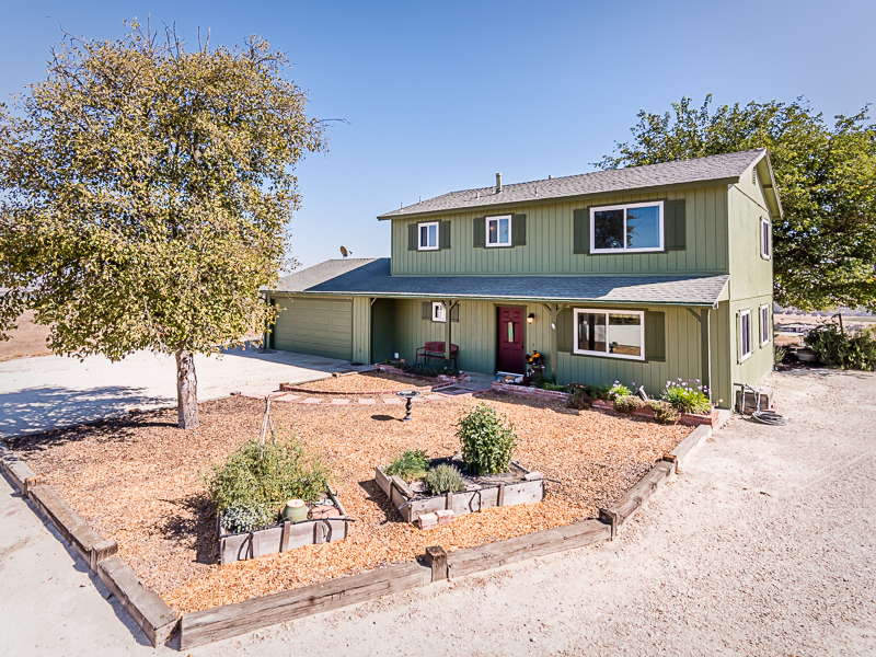 Single Family Home for Sale at Experience Peace & Quiet 7580 Nonpariel Road Paso Robles, California CA United States
