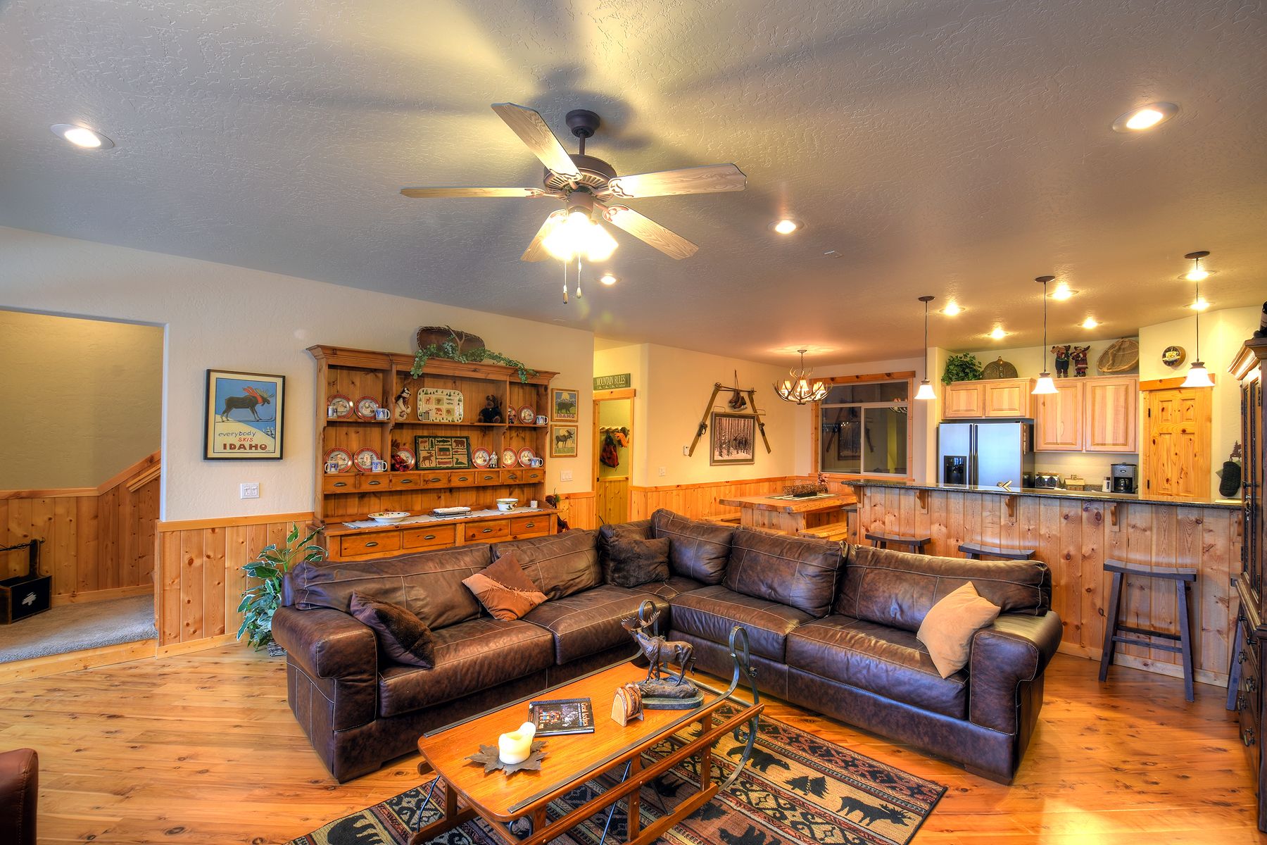 Single Family Home for Sale at Schweitzer Mountain Family Ski House 350 Crystal Springs Rd Sandpoint, Idaho 83864 United States