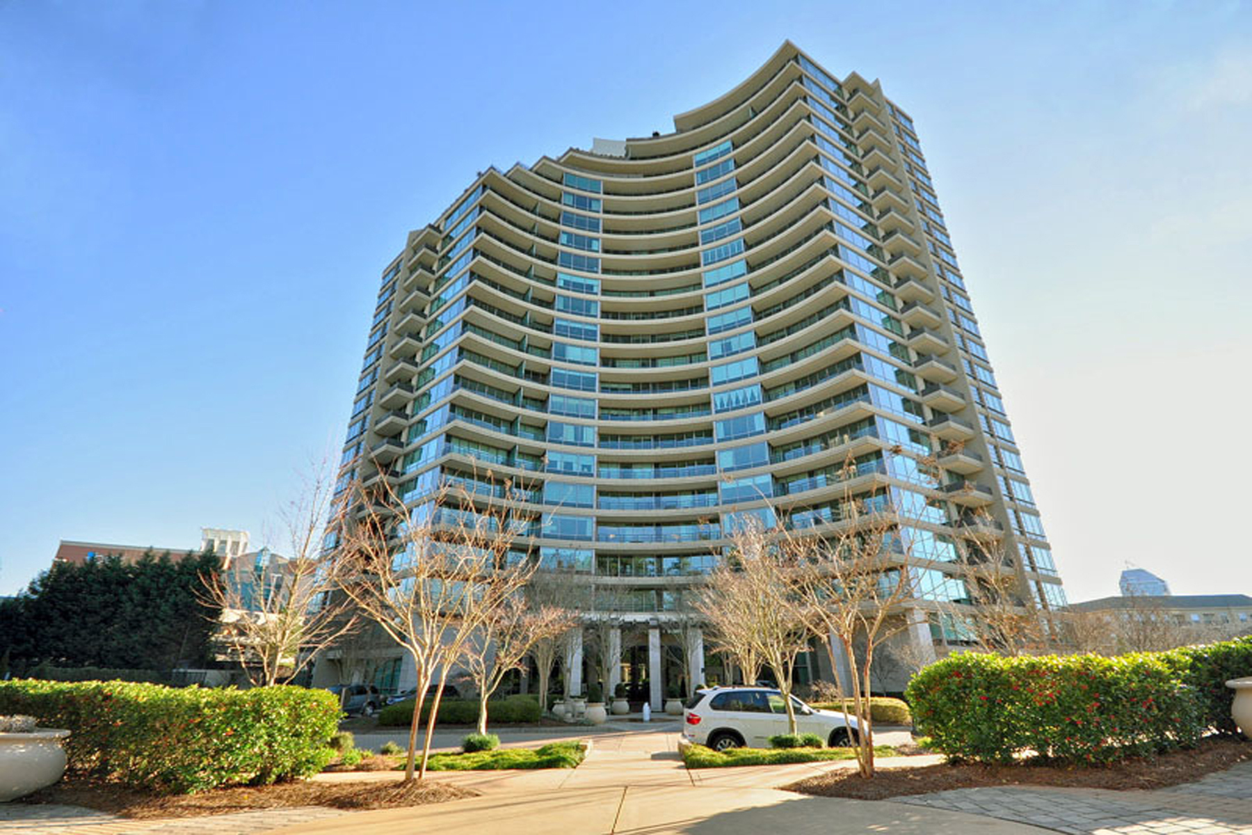 Piso por un Venta en Luzxury One Bedroom Condo 700 Park Regency Place NE Unit 1202 Atlanta, Georgia 30326 Estados Unidos