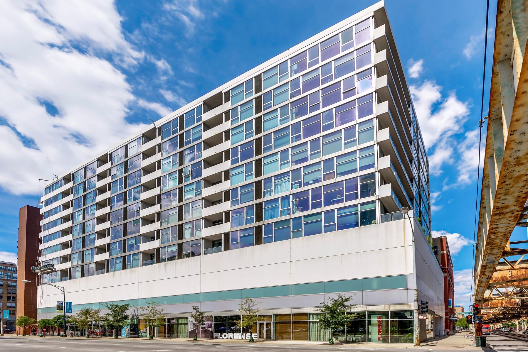 Eigentumswohnung für Verkauf beim Top Floor Unit 630 N Franklin Street Unit 1104 Near North Side, Chicago, Illinois, 60610 Vereinigte Staaten
