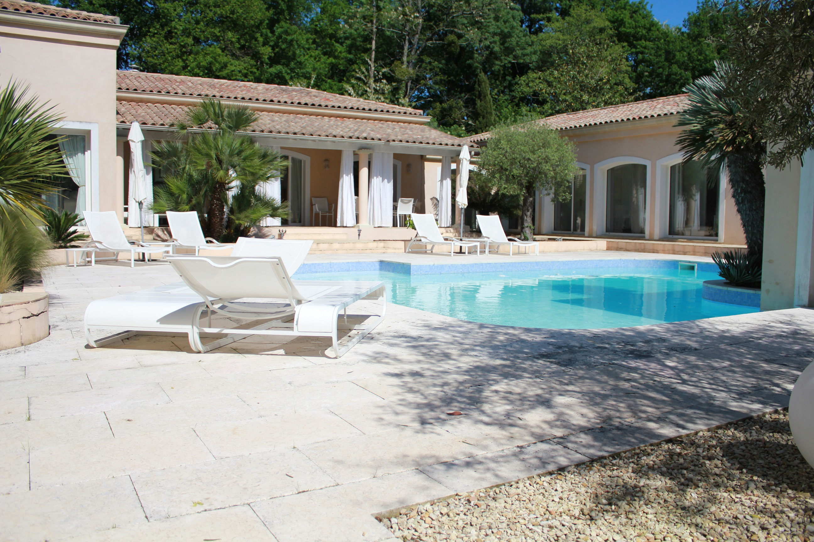 Single Family Home for Sale at Exceptional contemporary house in beautiful setting Other Aquitaine, Aquitaine France