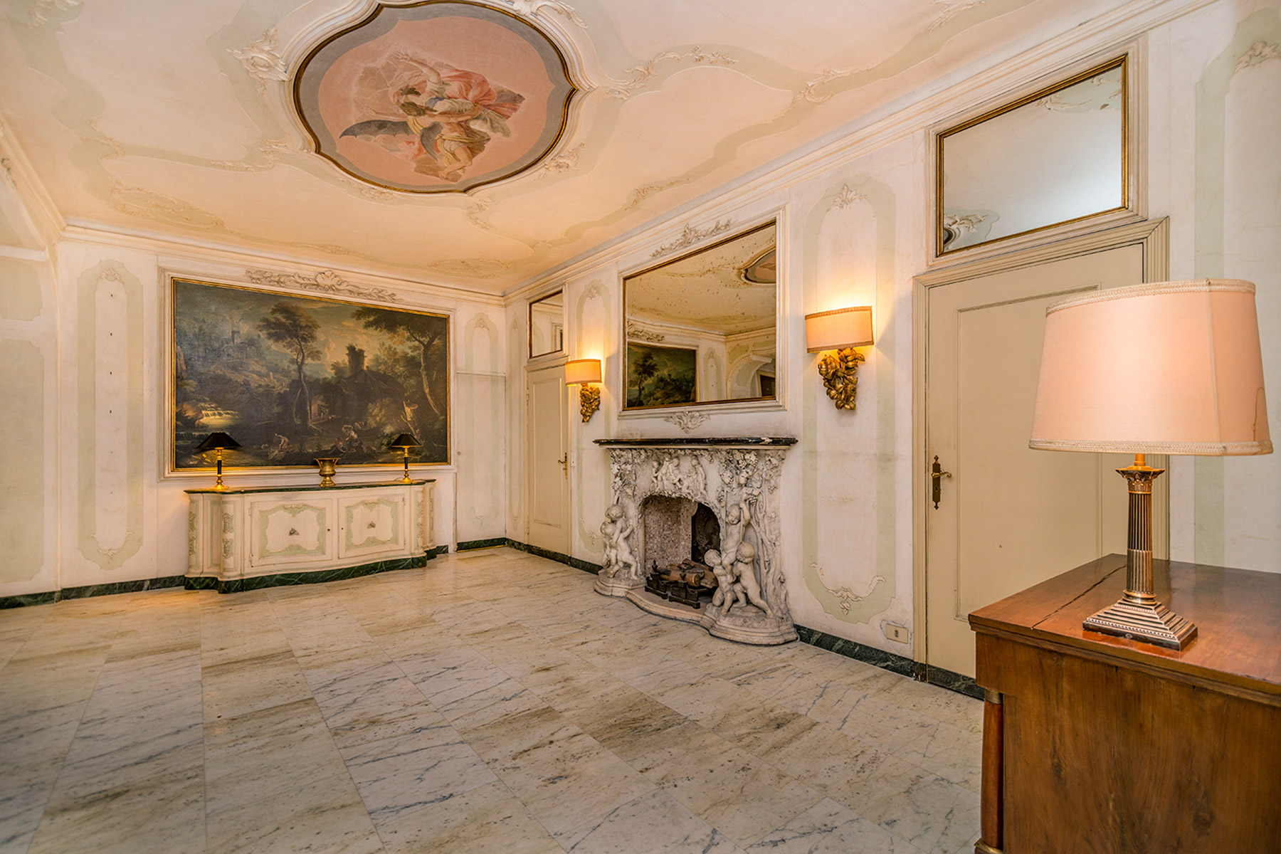 Additional photo for property listing at Elegant property with antique finishes Piazzetta Brera Milano, Milan 20100 Italie