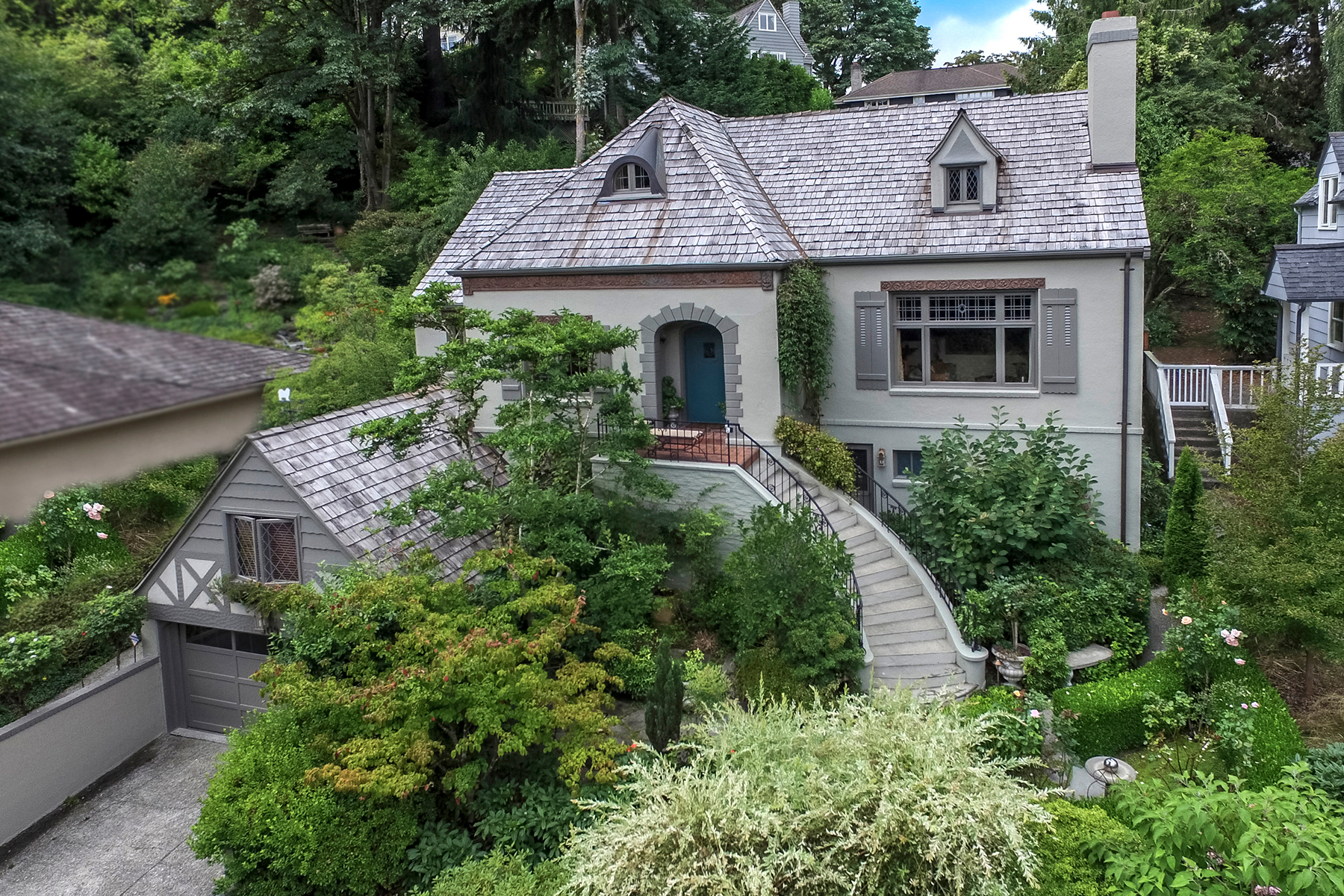 Villa per Vendita alle ore 1930 Denny Blaine Tudor 309 37th Ave E Seattle, Washington, 98112 Stati Uniti