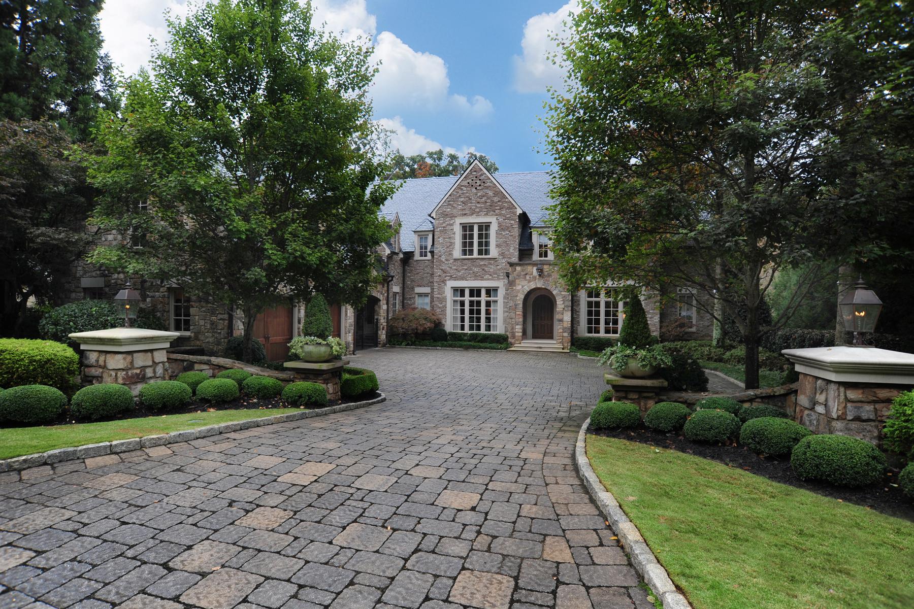 Casa para uma família para Venda às Refined Elegance In Atlanta's Most Prestigious Neighborhood 675 West Paces Ferry Road NW Home 4 Buckhead, Atlanta, Geórgia, 30327 Estados Unidos