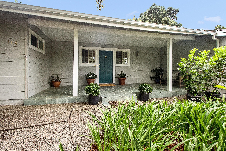 Vivienda unifamiliar por un Venta en Carmel Charm in Tiburon 114 Avenida Miraflores Tiburon, California, 94920 Estados Unidos