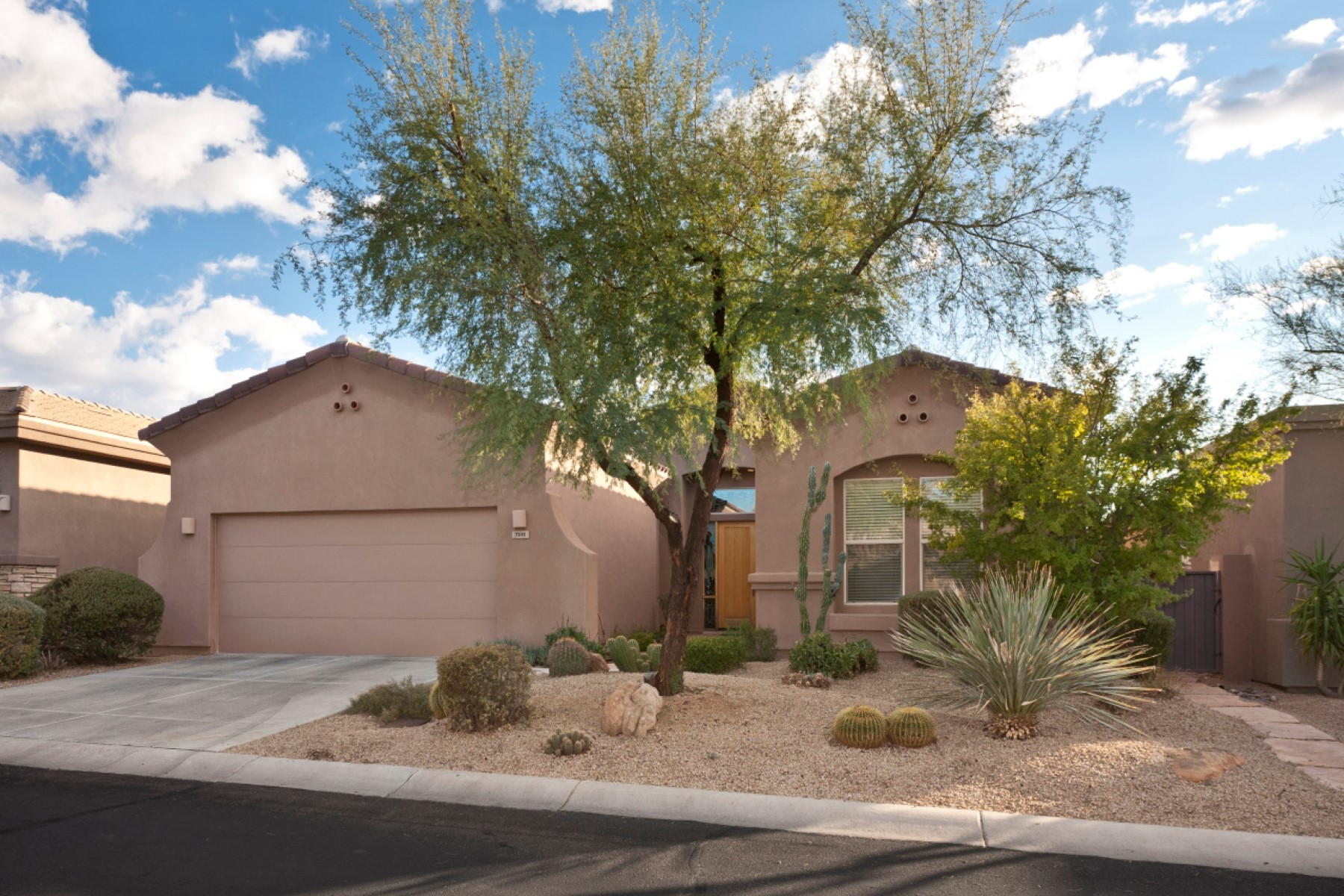 獨棟家庭住宅 為 出售 在 Lovely Winfield home 7315 E Eagle Feather Rd Scottsdale, 亞利桑那州, 85266 美國