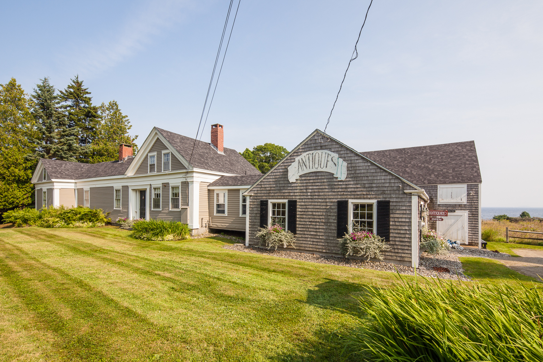 Single Family Home for Sale at Painted Lady 2813 Atlantic Highway Lincolnville, Maine, 04849 United States