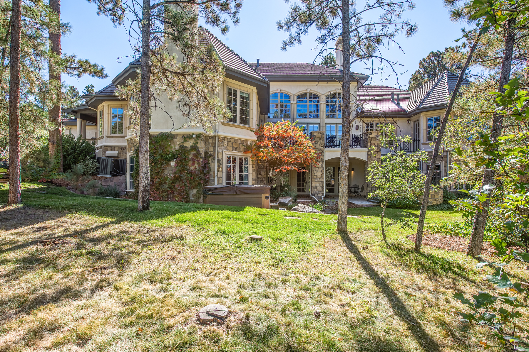 Single Family Home for Sale at Classic Elegance Overlooking 15th hole of Castle Pines Golf Course 323 Paragon Way Castle Rock, Colorado, 80108 United States