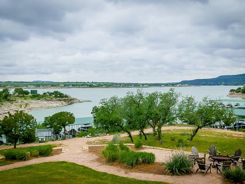共管式独立产权公寓 为 销售 在 The Harbor on Possum Kingdom Lake 2504 Century Oak Drive #202 福德, 得克萨斯州, 76449 美国