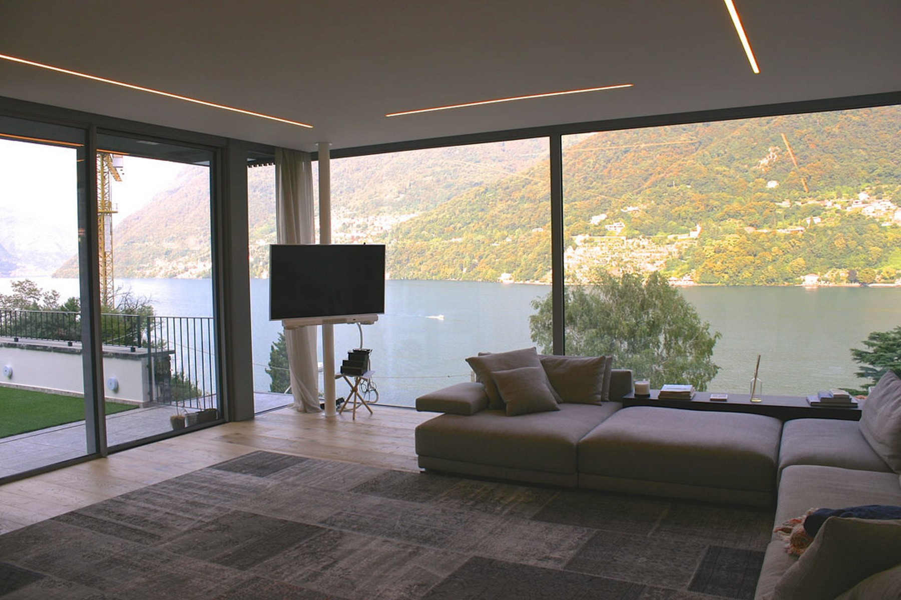Additional photo for property listing at Prestigious newly built apartment Laglio Laglio, Como 22010 Italie