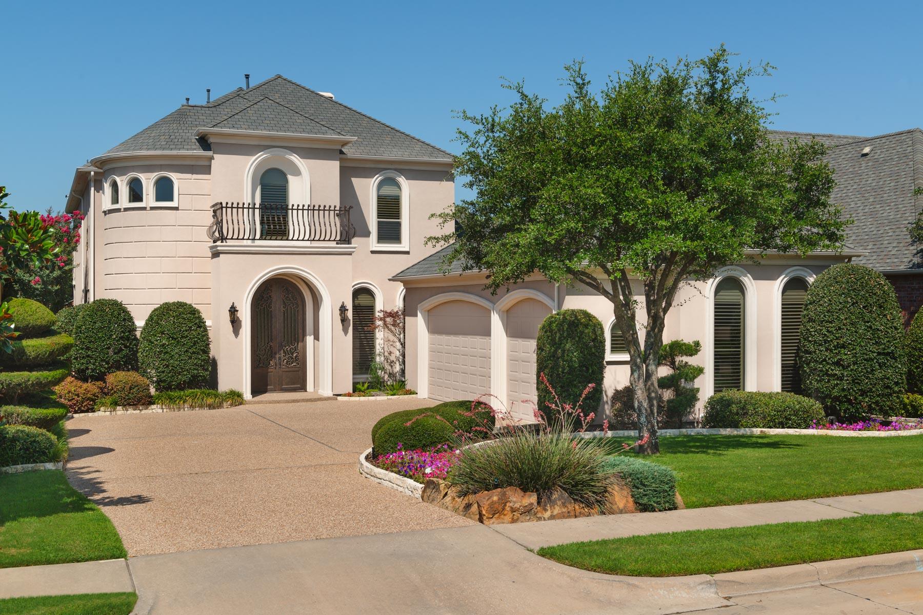 Villa per Vendita alle ore Starwood Custom Backing to Trails 6041 Star Trail Drive Frisco, Texas, 75034 Stati Uniti
