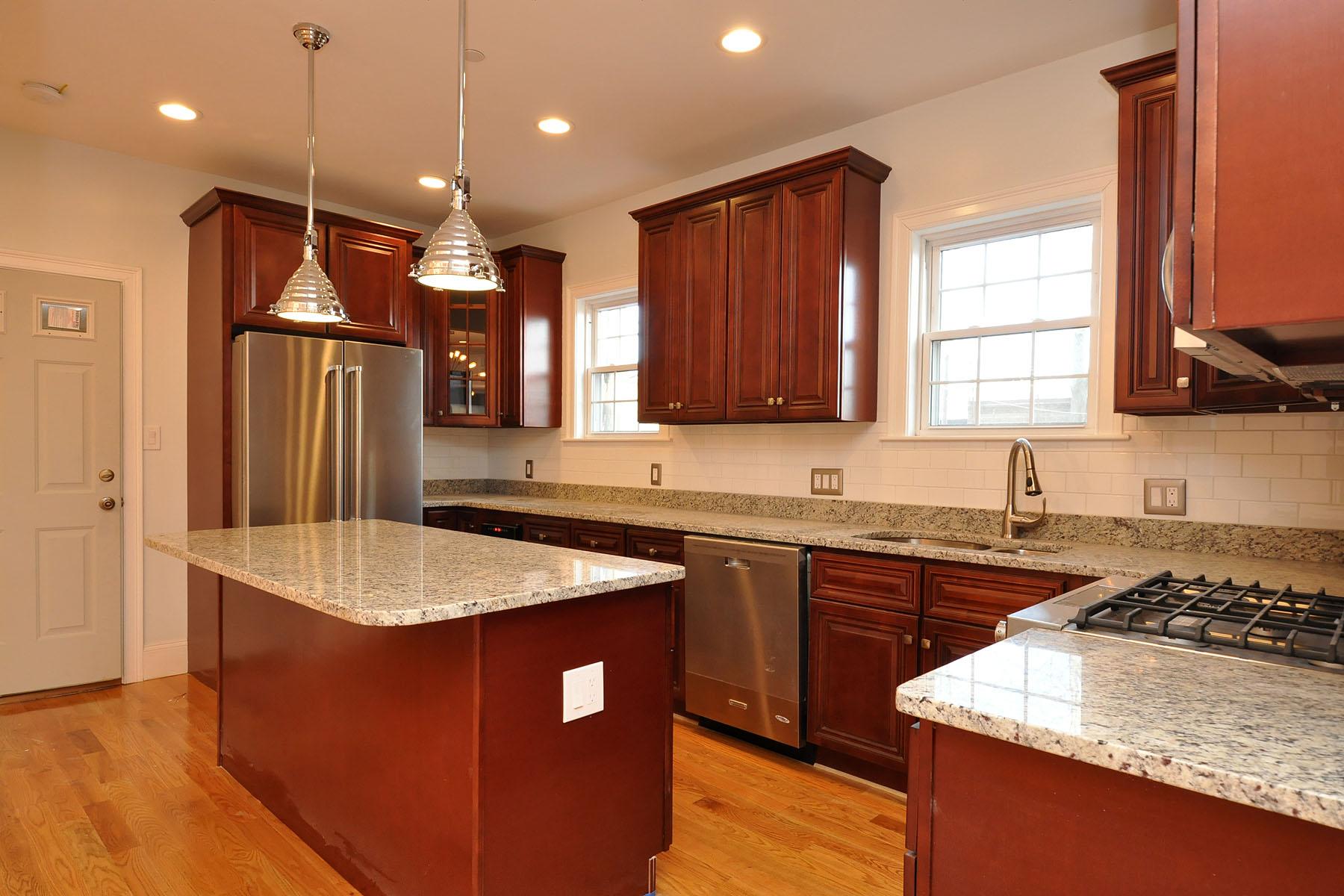 Nhà chung cư vì Bán tại Gorgeous 2nd Floor Condo 130 Shirley Street Unit 2 Roxbury, Boston, Massachusetts, 02119 Hoa Kỳ