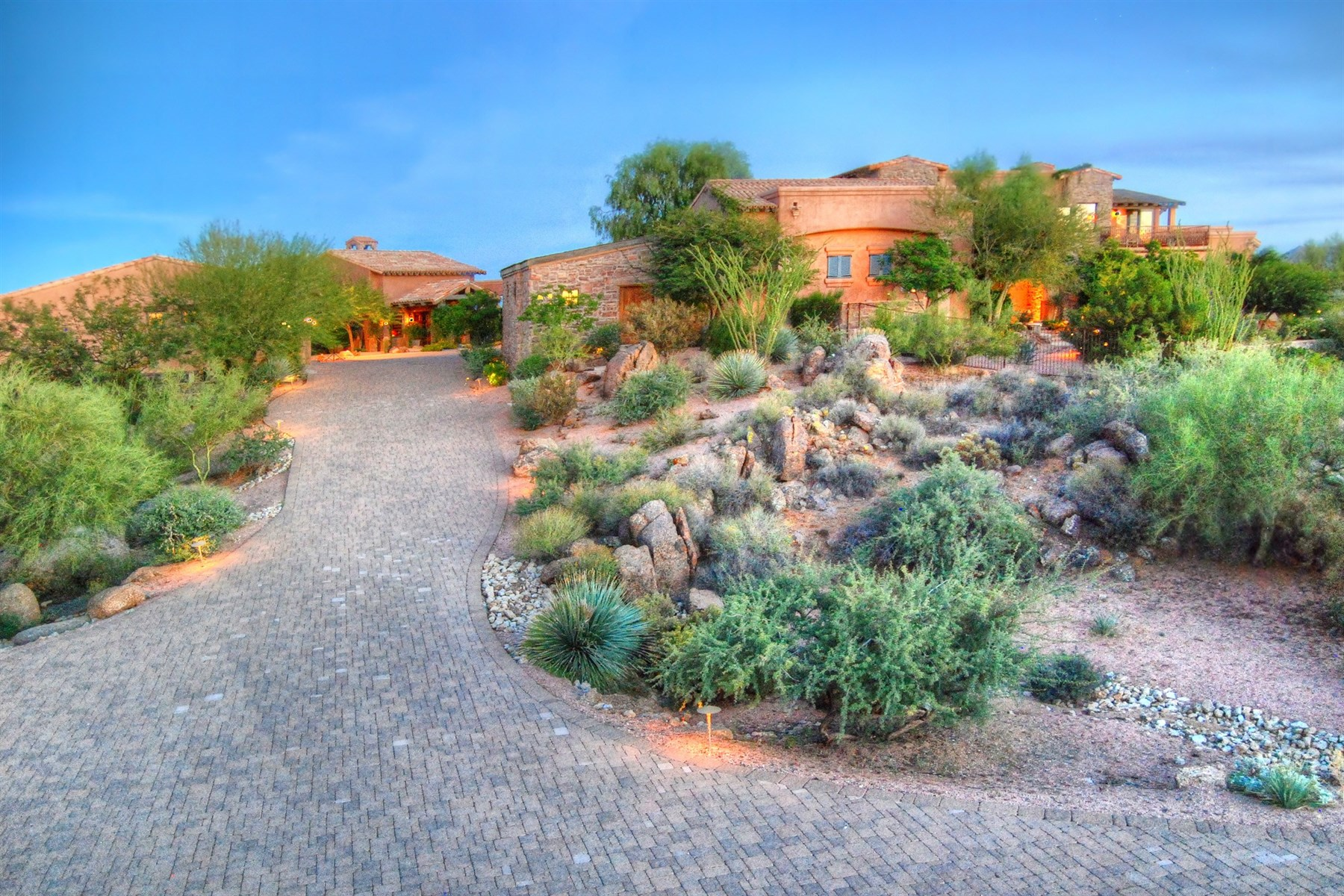 "Maison unifamiliale pour l Vente à Old world ""privately Gated estate"" with impeccable details and finishings 28901 N 114th St Scottsdale, Arizona, 85262 États-Unis"