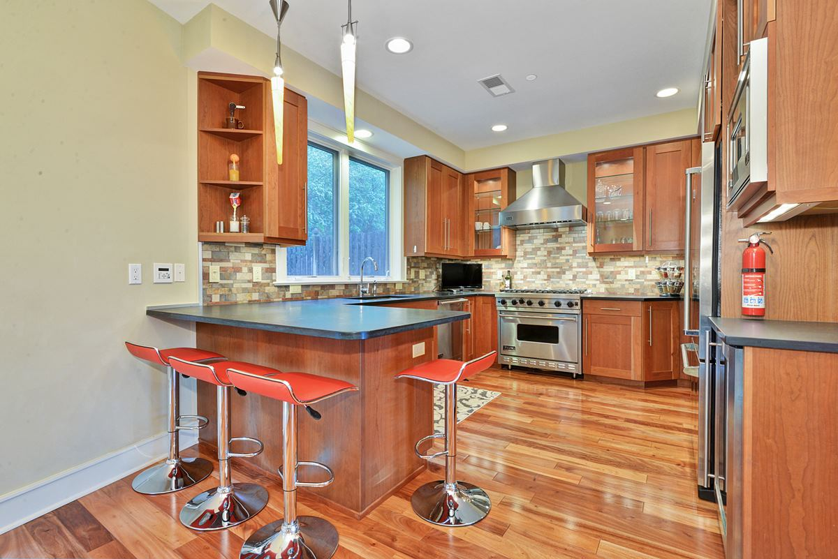 Maison accolée pour l à louer à Stunning And Modern 8711 Churchill Road North Bergen, New Jersey 07047 États-Unis
