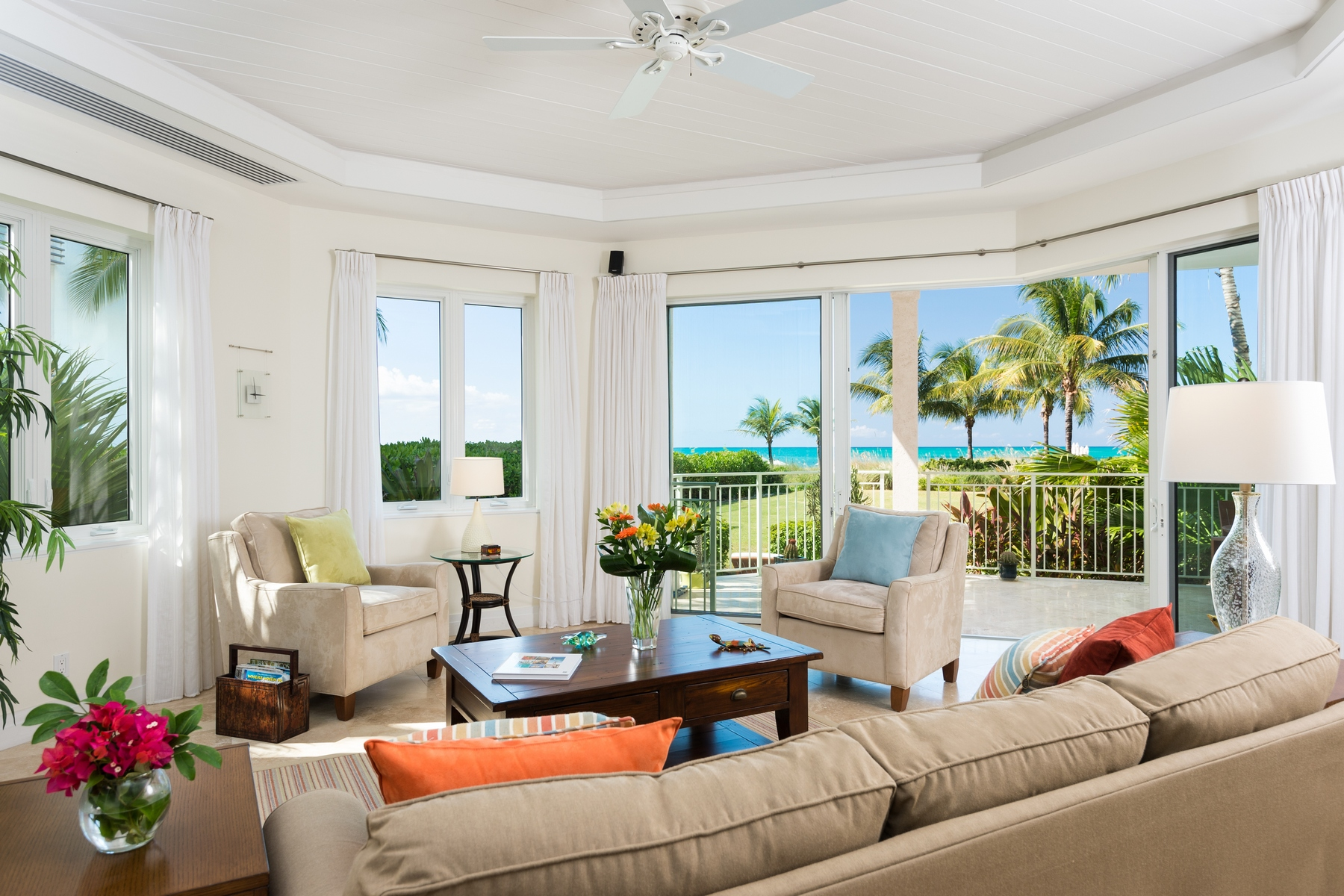 Piso por un Venta en West Bay Club - Suite 102 Beachfront Grace Bay, Providenciales, TC Islas Turcas Y Caicos
