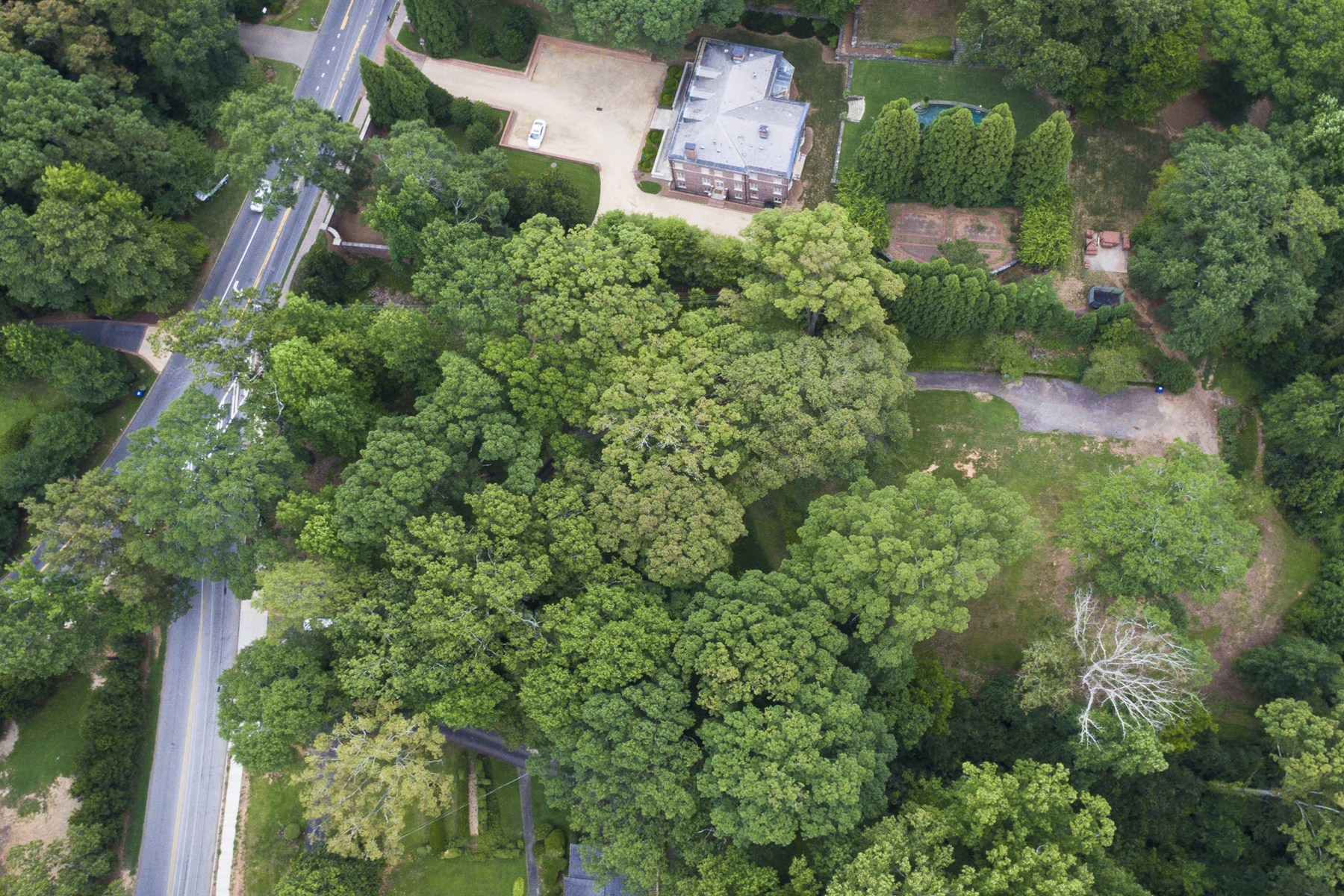 Terreno para Venda às Gorgeous 2+ Acre Lot On Atlanta's Prestigious West Paces Ferry Road 524 W Paces Ferry Road Buckhead, Atlanta, Geórgia 30305 Estados Unidos