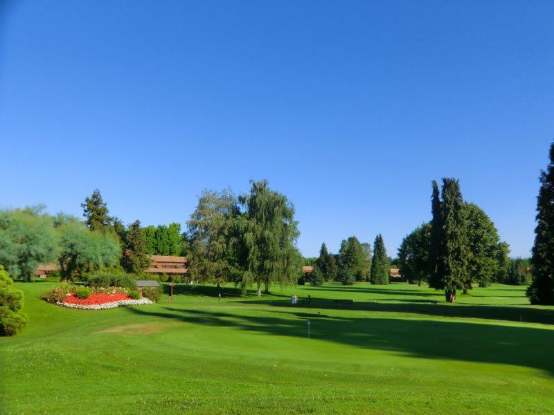 Additional photo for property listing at Apartment in Golf Club Monticello Via Volta Monticello, Como 23876 Italie