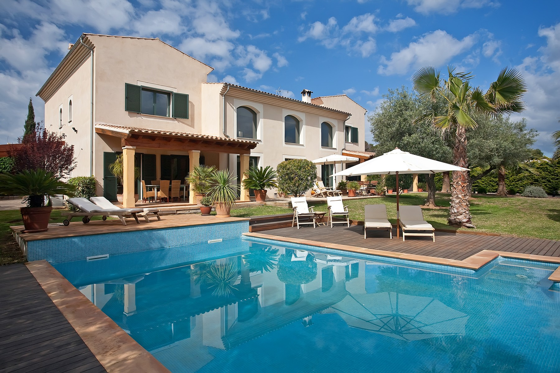 Single Family Home for Sale at Sunny luxurious villa in Sol de Mallorca Sol De Mallorca, Mallorca 07181 Spain