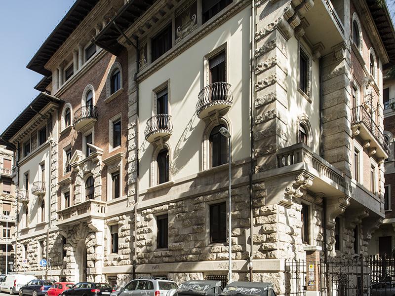 Adosado por un Venta en Exclusive Townhouse in Rome's centre Zona Coppedè Rome, Roma 00163 Italia