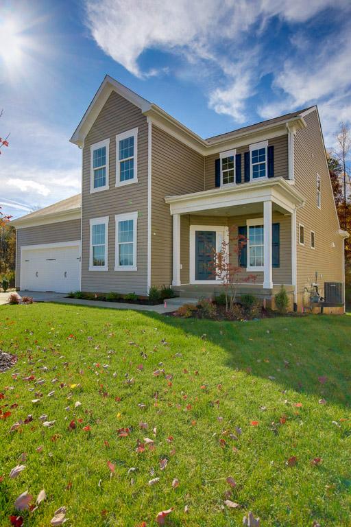 Casa para uma família para Venda às 78 BATTERY POINT DR Fredericksburg, Virginia, 22406 Estados Unidos