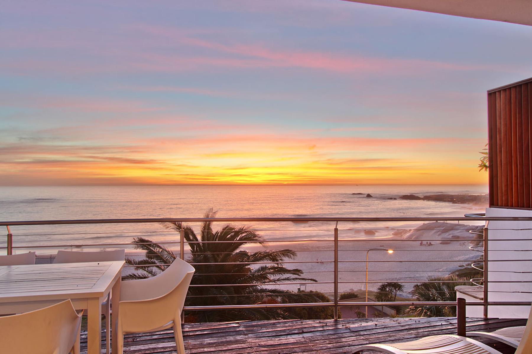 "Appartement pour l Vente à ""SEASONS FIND"" sensational beach front apartment Cape Town, Cap-Occidental 8005 Afrique Du Sud"