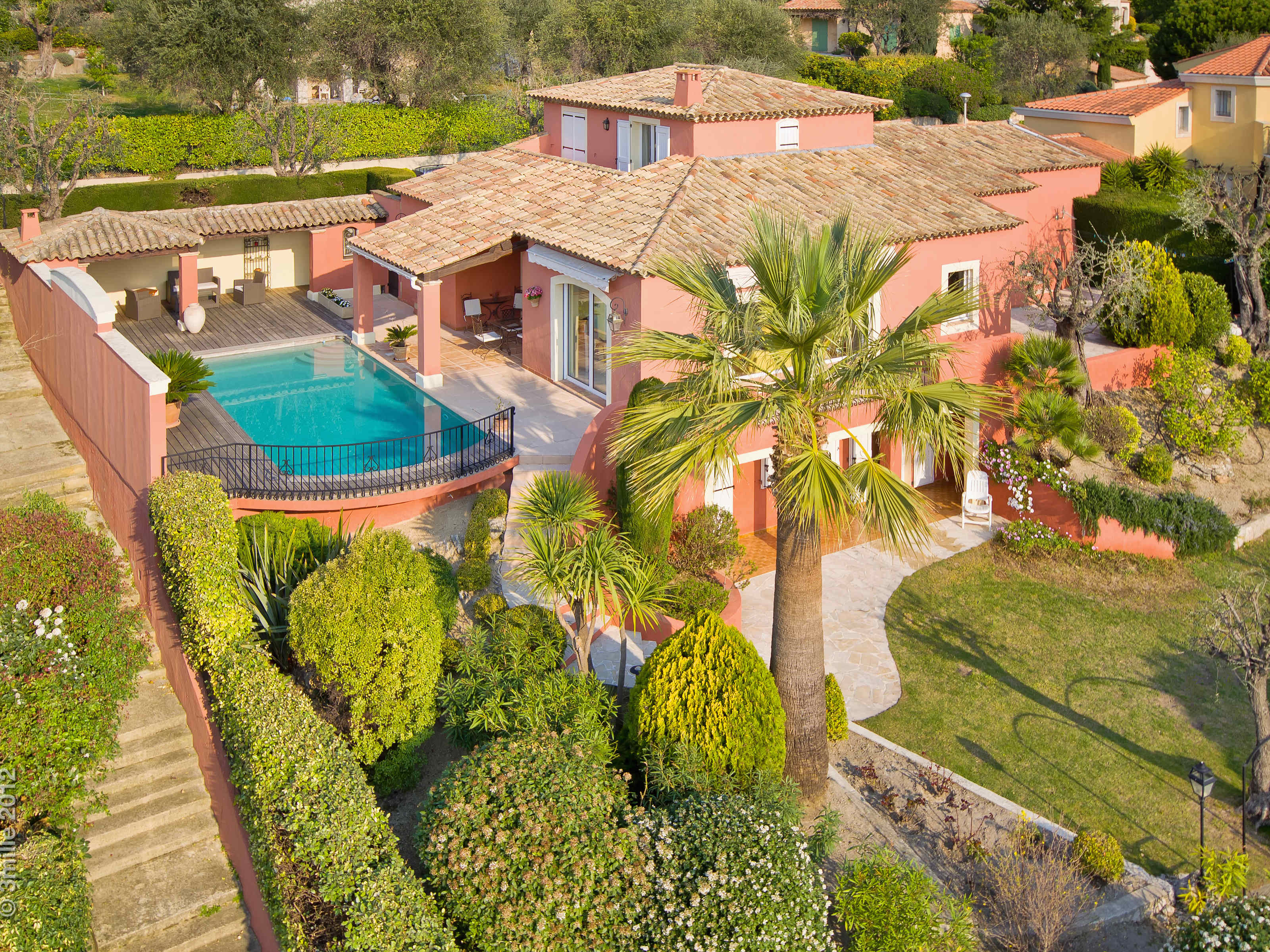 Single Family Home for Sale at Sole Agent - Provencal House Nice, Provence-Alpes-Cote D'Azur 06100 France