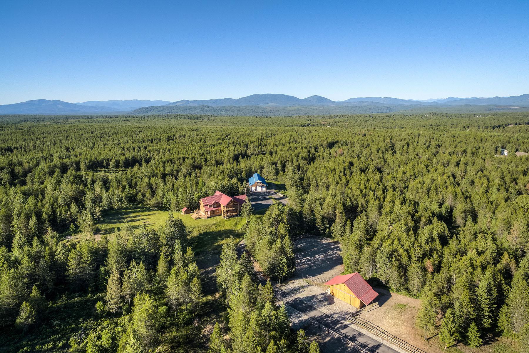 단독 가정 주택 용 매매 에 Breathtaking Home With Horse Set Up 8899 W Coeur D Alene Dr Spirit Lake, 아이다호, 83869 미국