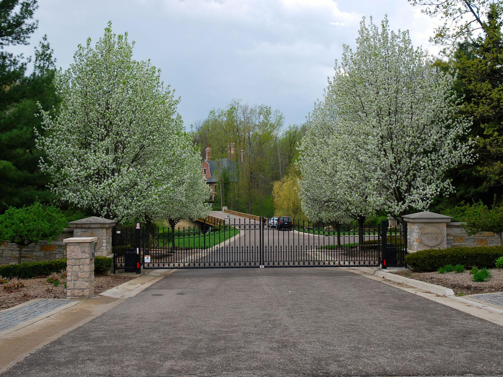 土地 为 销售 在 Bloomfield Hills 589 Barrington Park 布龙菲尔德山, 密歇根州, 48304 美国