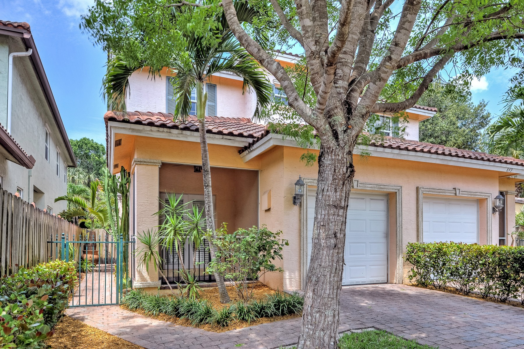 Townhouse for Sale at 851 SW 11 Ct. Fort Lauderdale, Florida 33315 United States