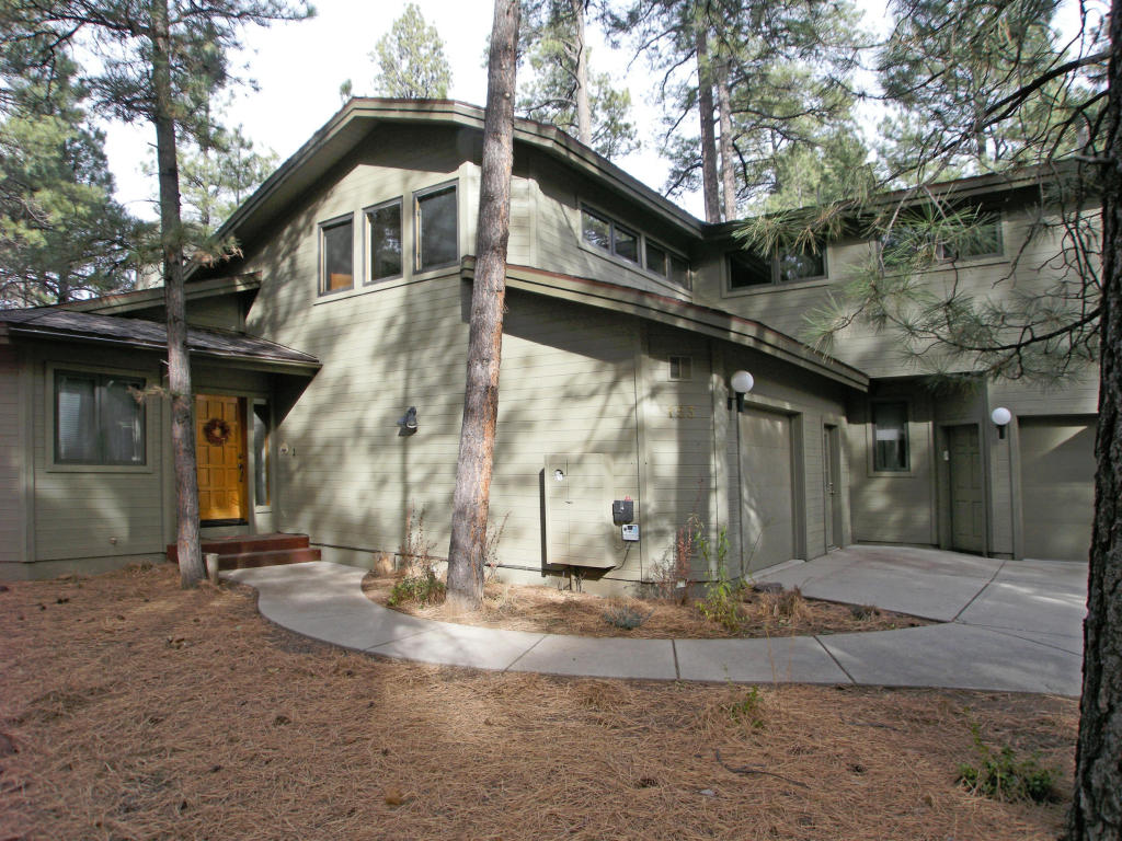 Vivienda unifamiliar por un Venta en Stunning Forest Highlands Home 3493 Bear Howard Flagstaff, Arizona 86005 Estados Unidos