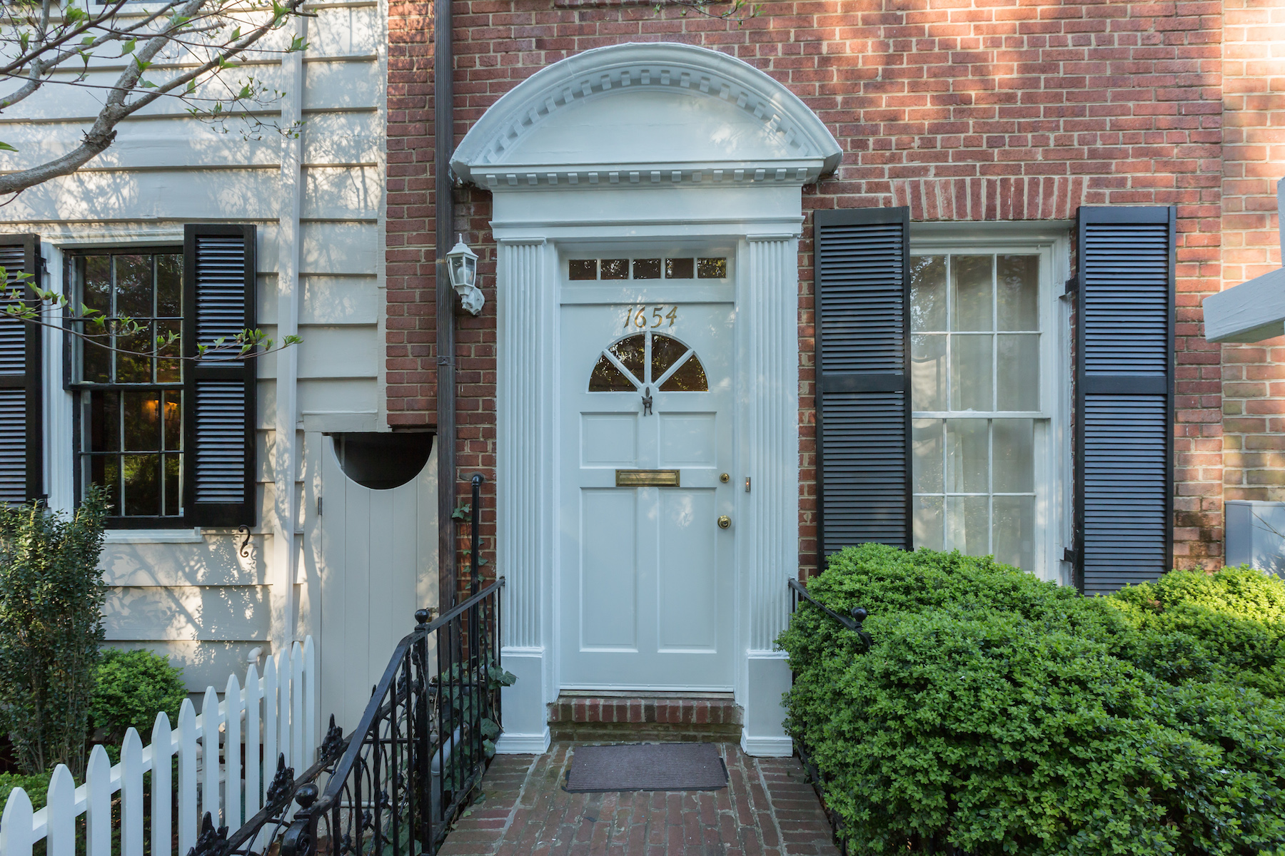Townhouse for Sale at 1654 32nd Street Nw, Washington Washington, District Of Columbia 20007 United States