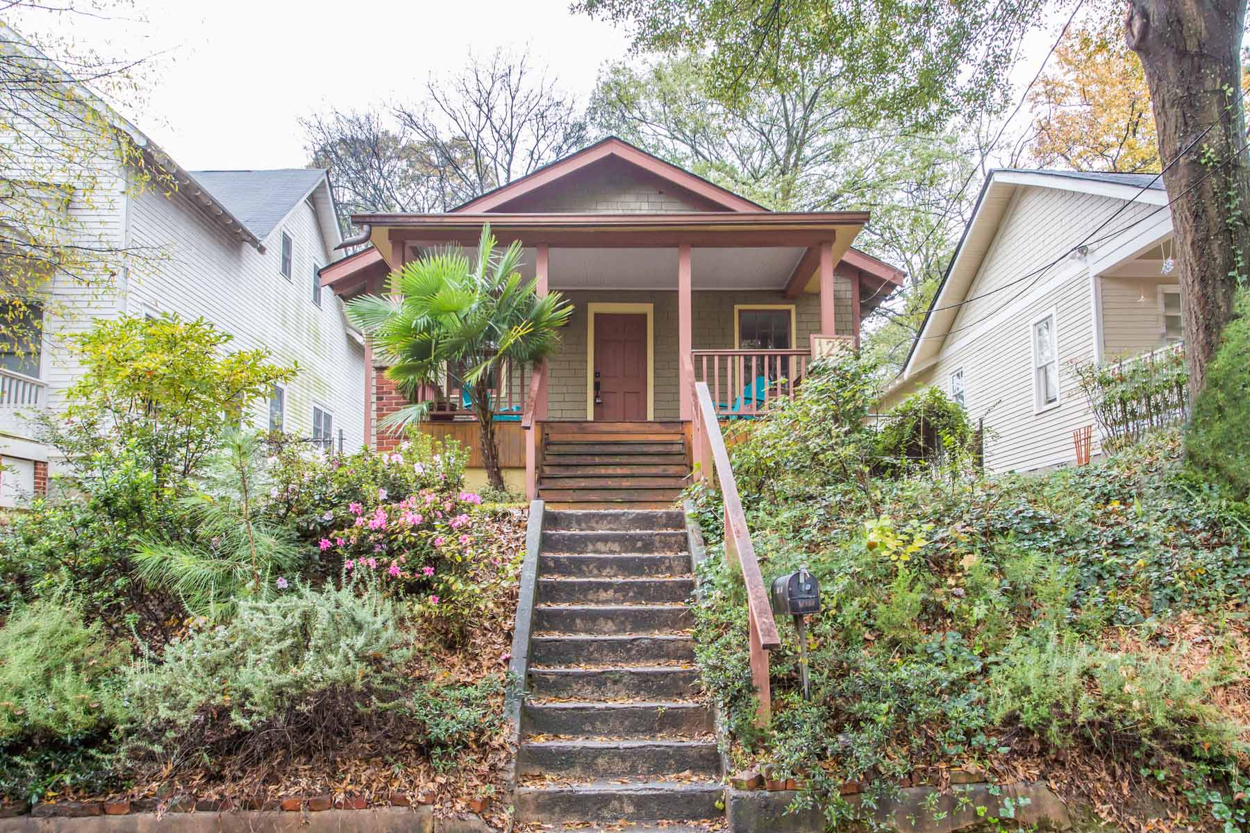 Single Family Home for Sale at Charming Cabbagetown Shake Bungalow! 125 Pearl Street SE Cabbagetown, Atlanta, Georgia 30316 United States