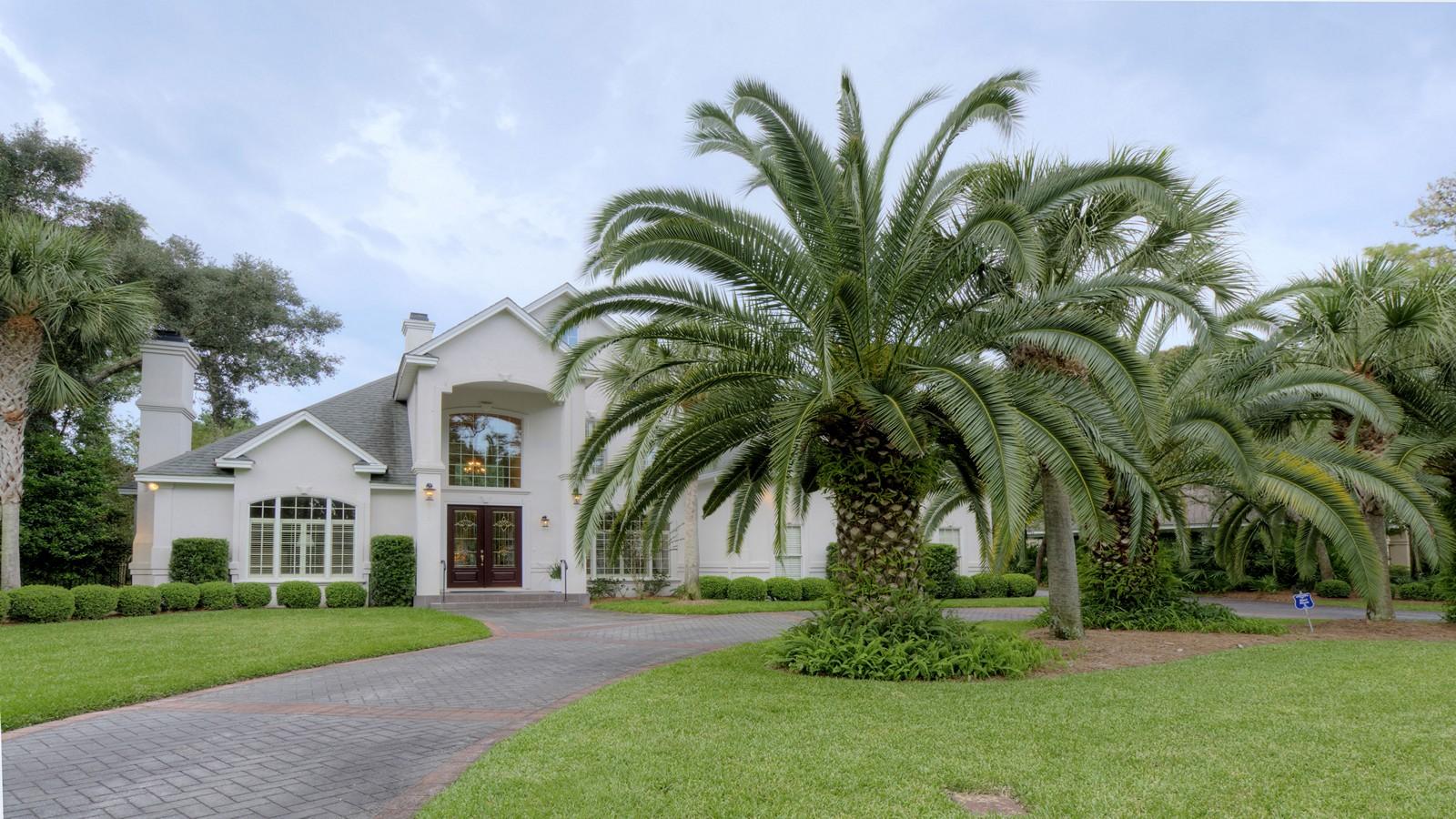Частный односемейный дом для того Продажа на 111 Biltmore St. Simons Island, Джорджия, 31522 Соединенные Штаты