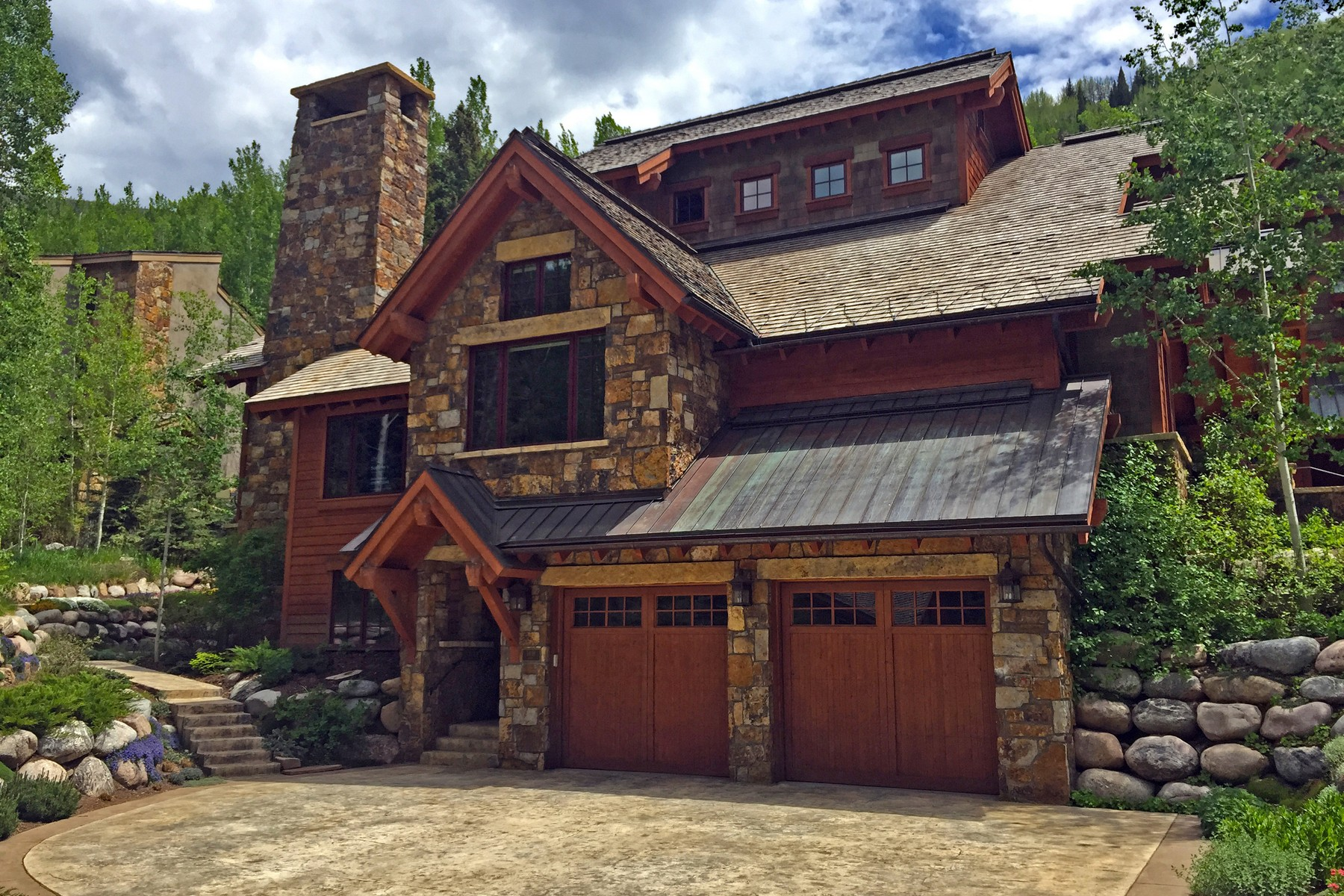 Loft/Duplex pour l Vente à Vail Golf Course Location 1418 Vail Valley Drive #E Vail Golf Course, Vail, Colorado 81657 États-Unis