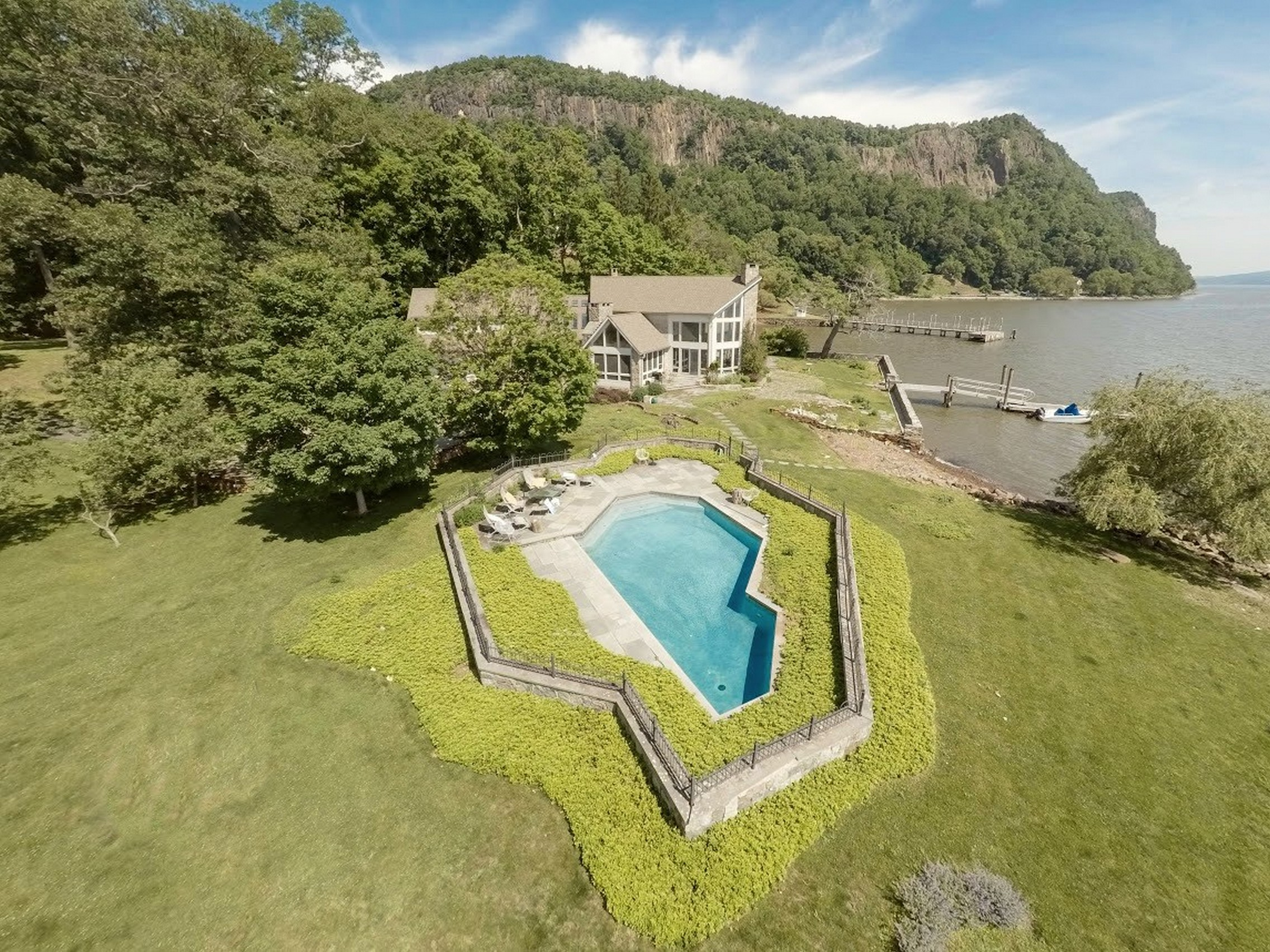 Single Family Home for Sale at Extraordinary Hudson Riverfront Property 641 North Broadway Upper Nyack, New York 10960 United States