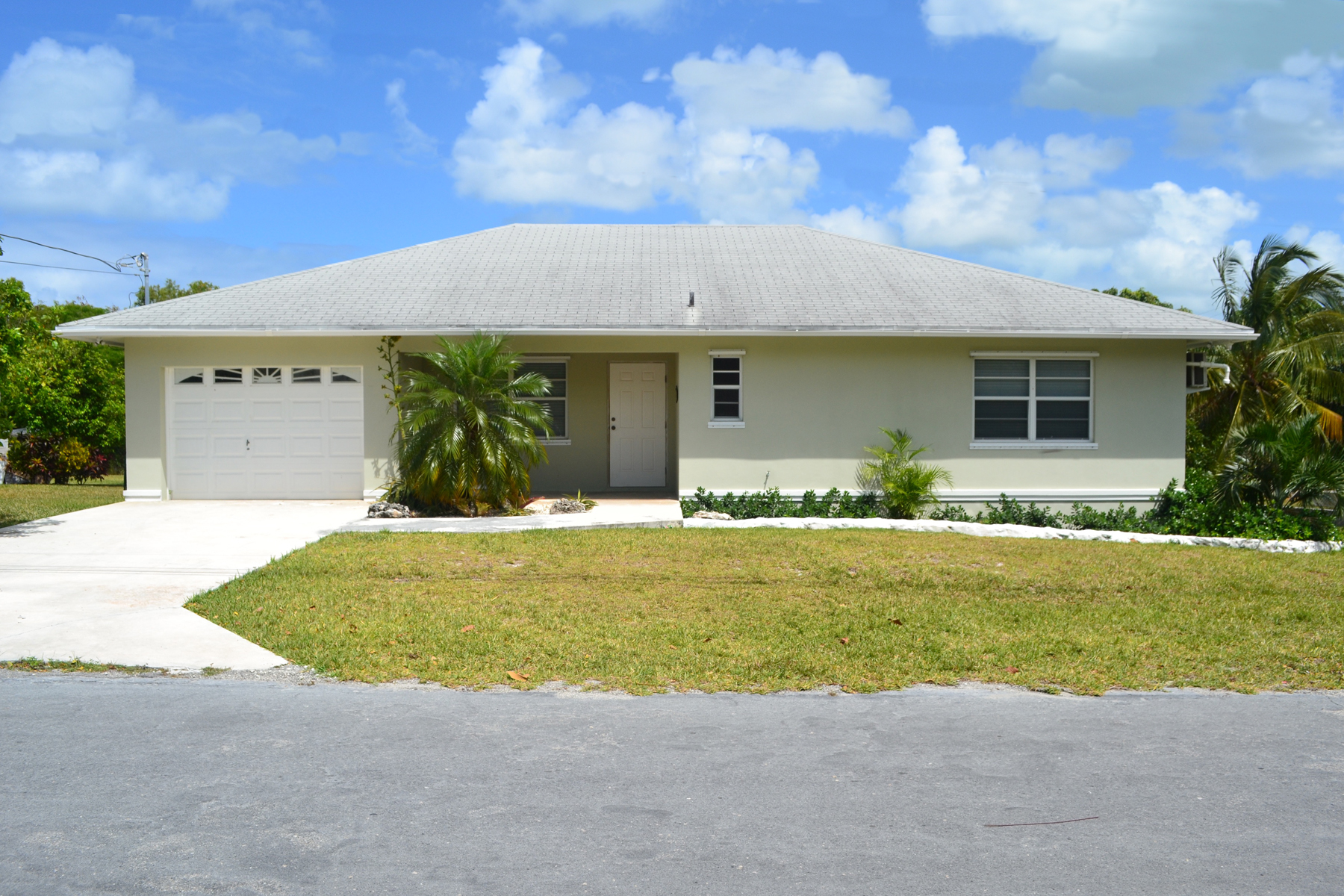 Single Family Home for Sale at Paradise Dreams Spanish Wells, Eleuthera Bahamas