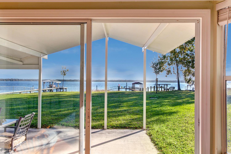 Casa para uma família para Venda às 359 West River Rd Palatka, Florida, 32177 Estados Unidos