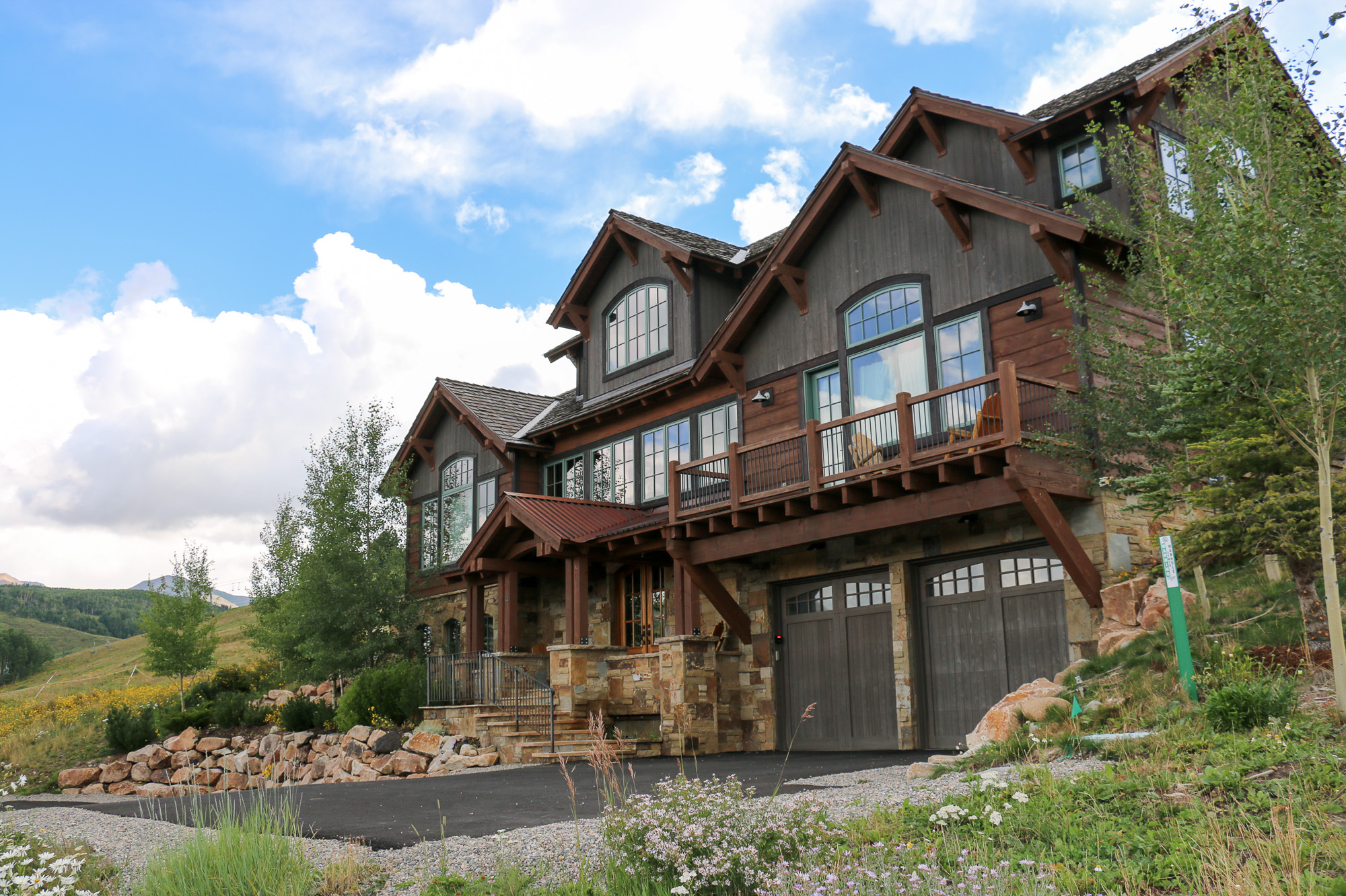 Maison unifamiliale pour l Vente à Ski-InSki-Out Elegance 4 Black Diamond Trail Mount Crested Butte, Colorado, 81225 États-Unis