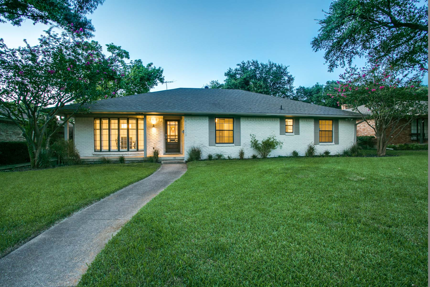 Single Family Home for Sale at Fully Updated Lochwood Home 11129 Shortmeadow Drive Dallas, Texas, 75218 United States