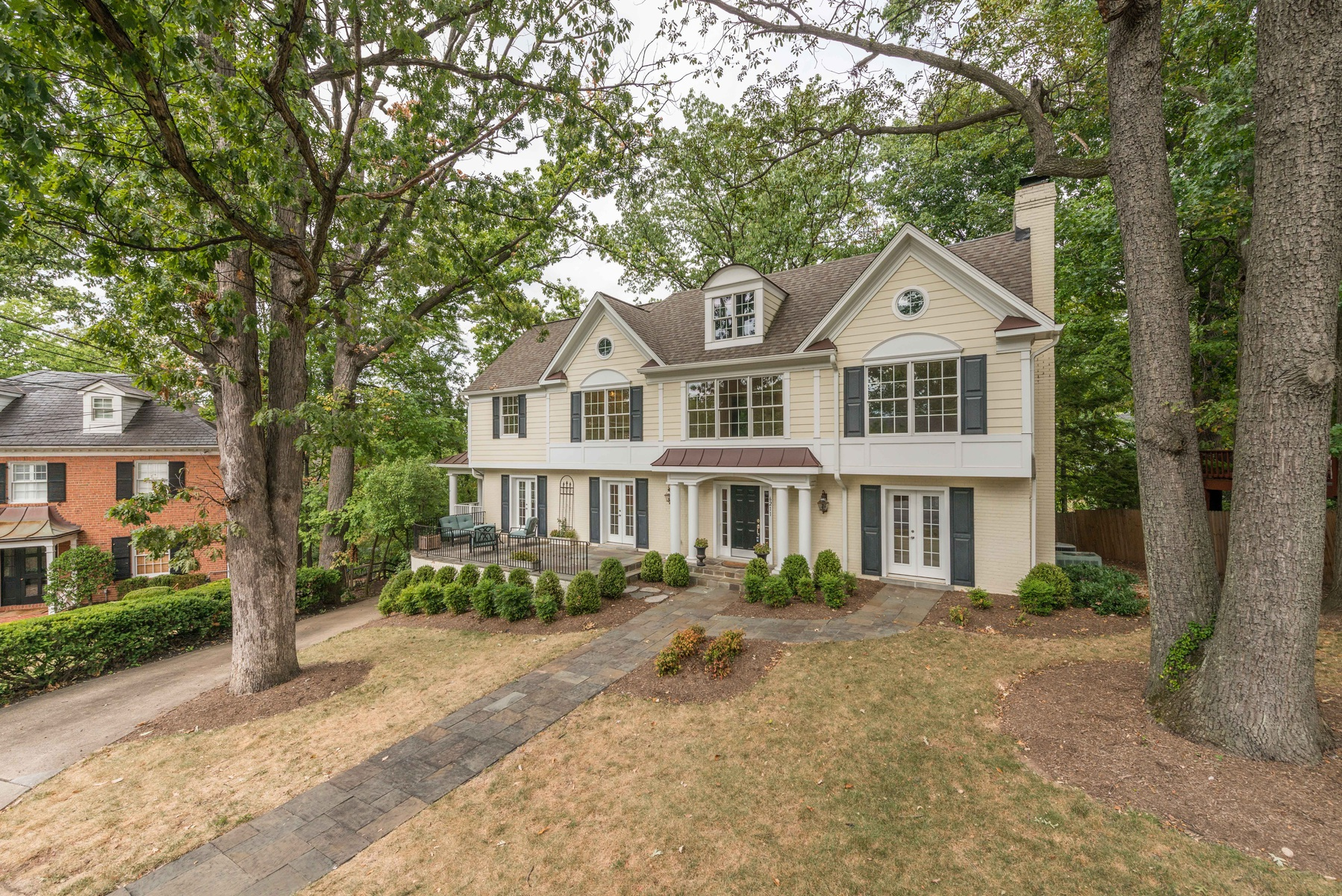 Additional photo for property listing at Belle Haven 6211 Randall Ct Alexandria, Virginia 22307 United States