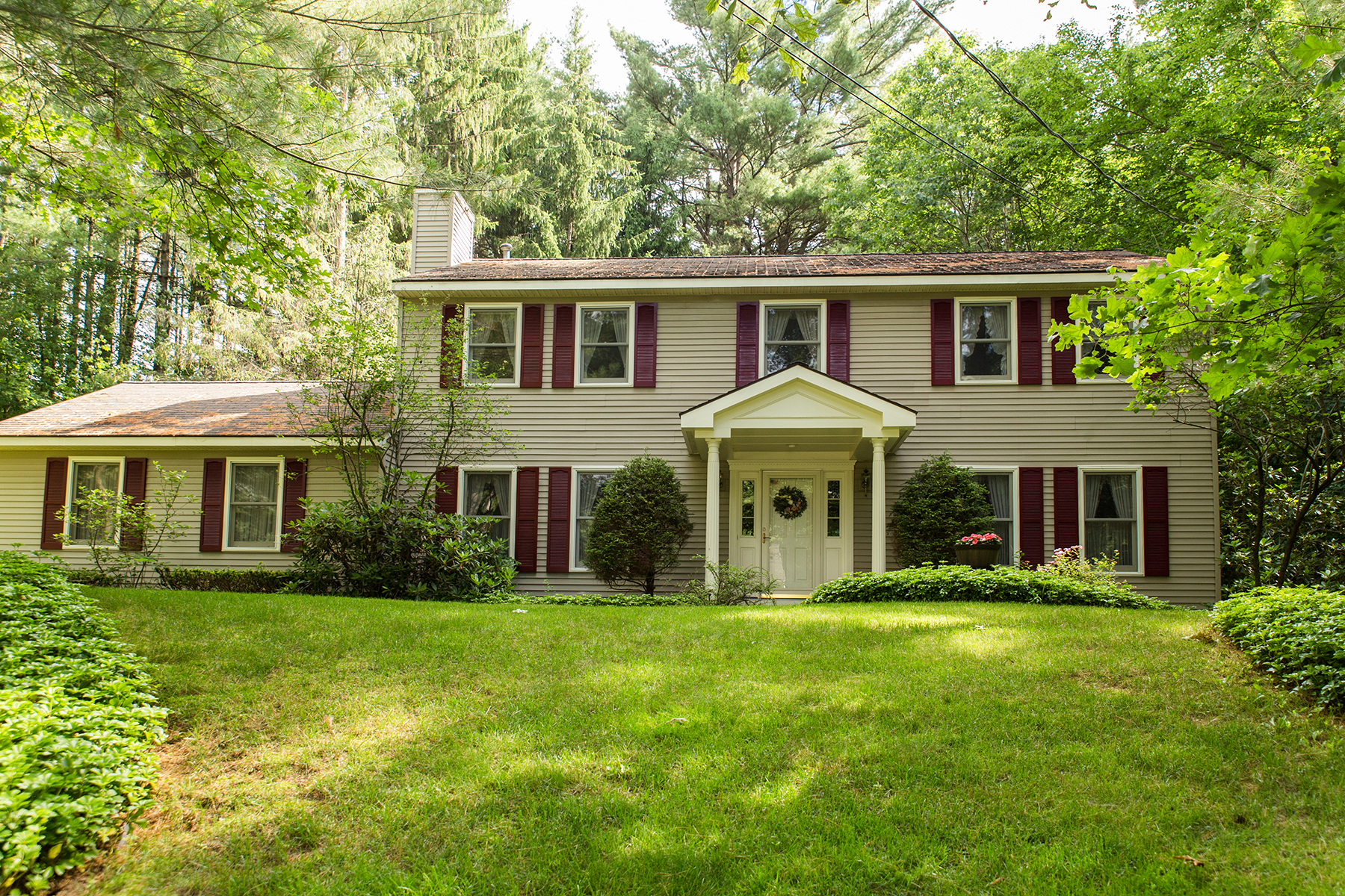 Vivienda unifamiliar por un Venta en 4 bedroom in a peaceful neighborhood 10 Round Table Road Saratoga Springs, Nueva York 12866 Estados Unidos