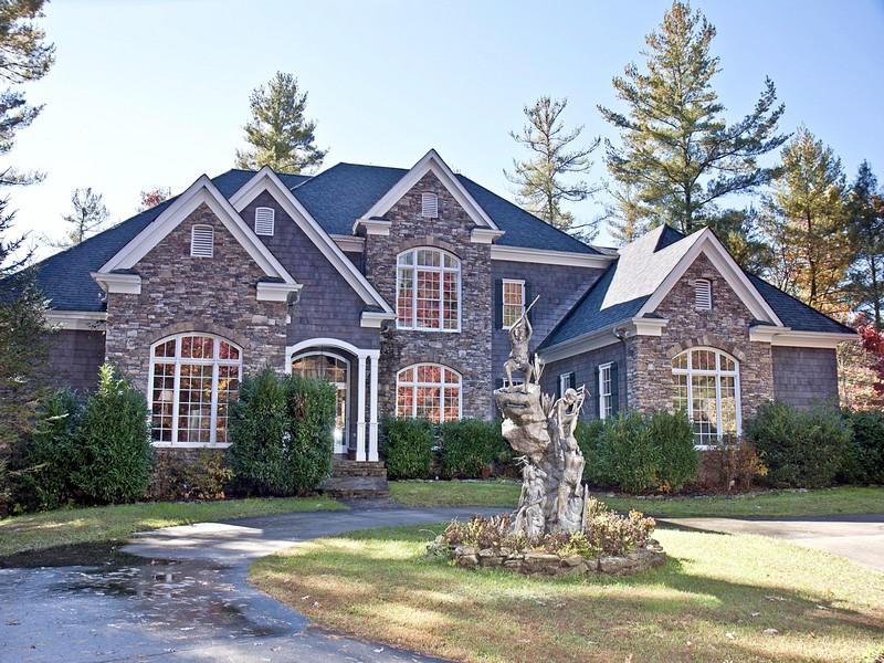 Частный односемейный дом для того Продажа на 1356 Blue Valley Road Highlands, Северная Каролина, 28741 Соединенные Штаты