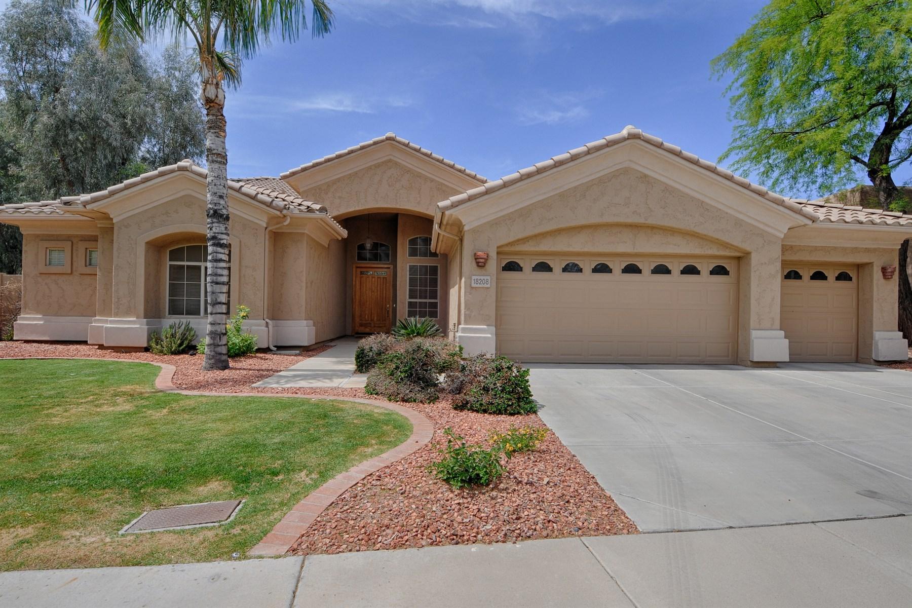Vivienda unifamiliar por un Venta en Fabulous Turn-Key Basement Home in Triple Crown 18208 N 50th Street Scottsdale, Arizona 85254 Estados Unidos