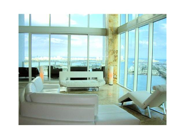 Condominium for Sale at Ten Museum Pk 1040 Biscayne Blvd. Unit 3301 Miami, Florida 33132 United States